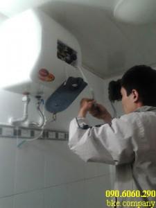 Cách làm vệ sinh bình nước nóng lạnh tại nhà